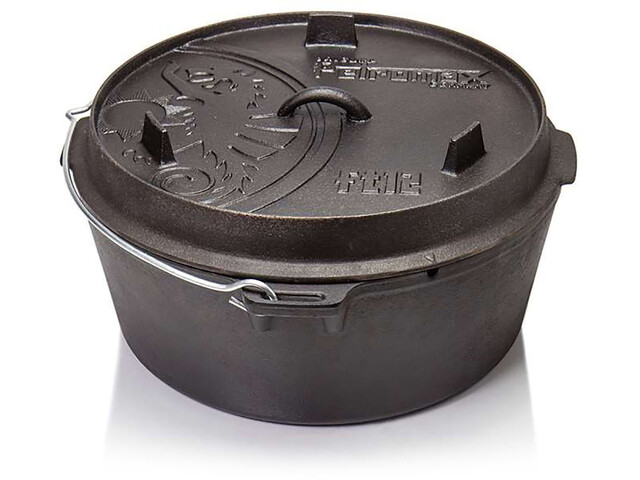 Petromax Dutch Oven 12qt with a Plane Bottom Surface black